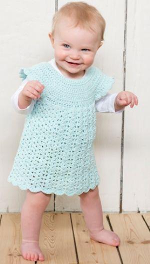Hæklet kjole til de mindste | Babykjole i turkis | Hæklet til sommer | Gratis hækle- og strikkeopskrifter på skønne sager til dig, manden eller de mindste | Håndarbejde