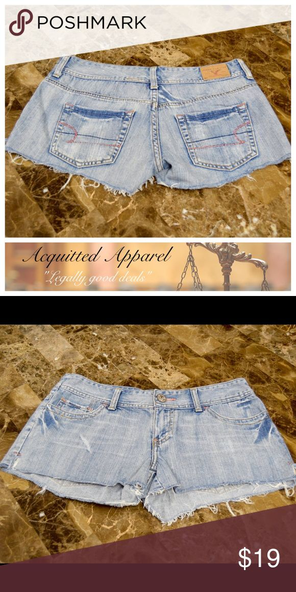 American Eagle Bling Cut off shorts Cute denim with pink crystals. Size 4 American Eagle Outfitters Shorts Jean Shorts