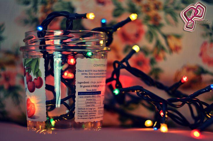 Prendete un barattolo vuoto, metteteci delle lucine natalizie e dopo averle accese, esprimete un desiderio per il 2015! #2015 #spakkakuli #cuneo #bokeh #happynewyear