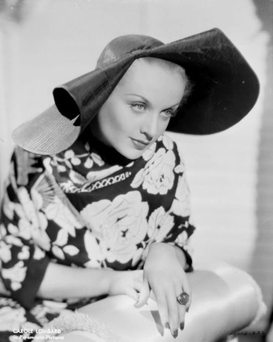 Carole Lombard......Uploaded By www.1stand2ndtimearound.etsy.com