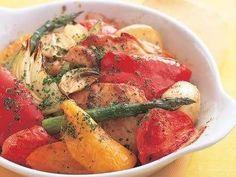 城戸崎 愛さんの[新じゃがと鶏肉のオーブン焼き]レシピ|使える料理レシピ集 みんなのきょうの料理
