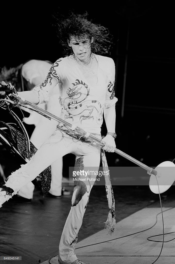 Singer Steven Tyler performing with American rock group, Aerosmith, 15th April 1979.