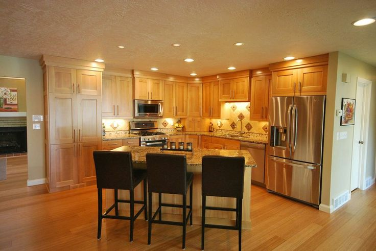 Beautiful traditional custom cabinetry. Anvil Cabinets www.anvilcompanies.com  #kitchencabinets #traditional #cabinets