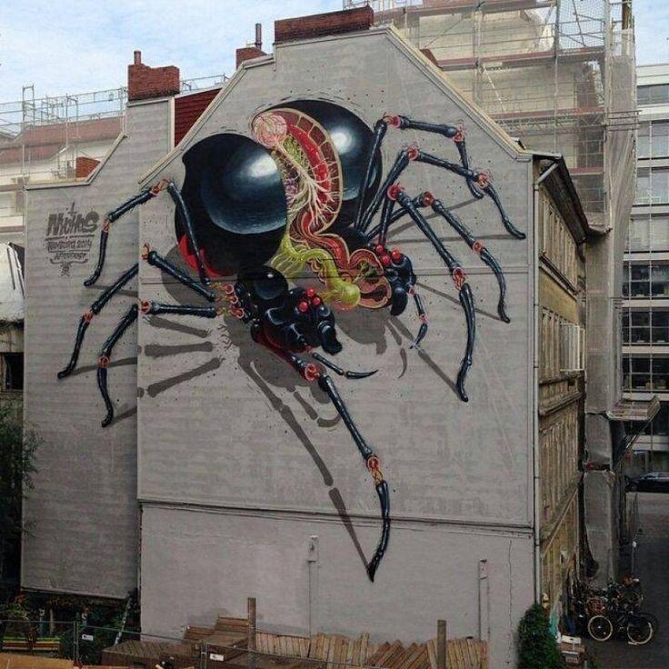 """Un mural obra de Nychos, un """"escrito de graffiti"""" austriaco que ha expuesto en las mejores galerías de arte del mundo."""