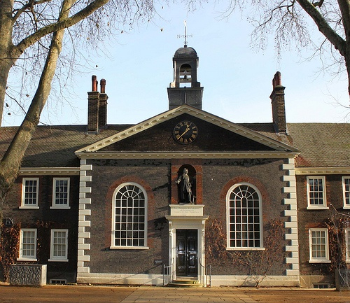 The Chapel: Geffrye Museum ~ Kingsland Road