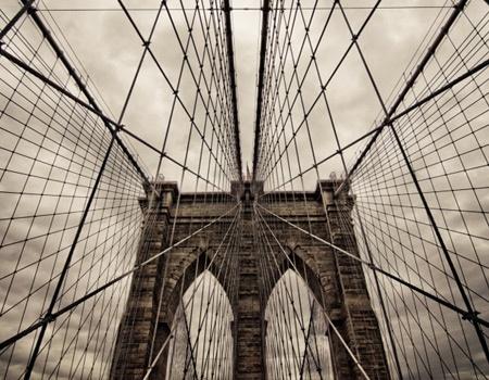 walking through brooklyn bridge