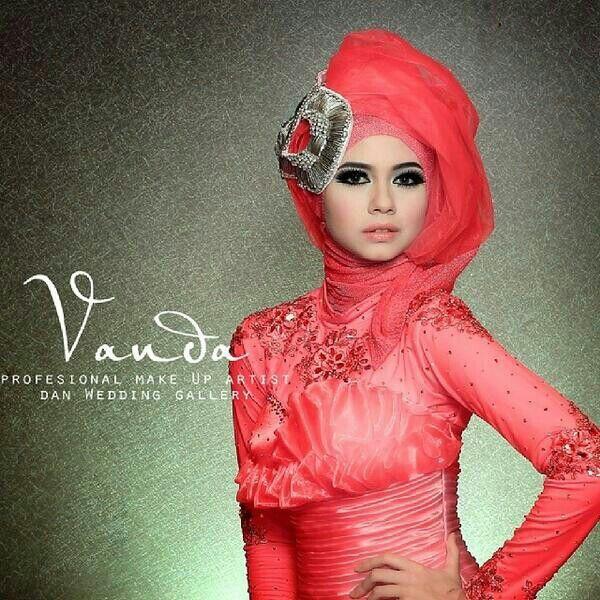 Yuki Kato photoshoot with kebaya and hijab