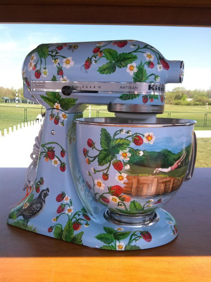 www.AuctionToday.co  KitchenAid stand mixer, autographed by pro golfer Jerry Pate and painted by Midnite Remisoski, that was auctioned off at the 75th Senior PGA Golf Championship in Benton Harbor, MI.  The theme is inspired by Pate's tournament win in 1982 in Sawgrass.