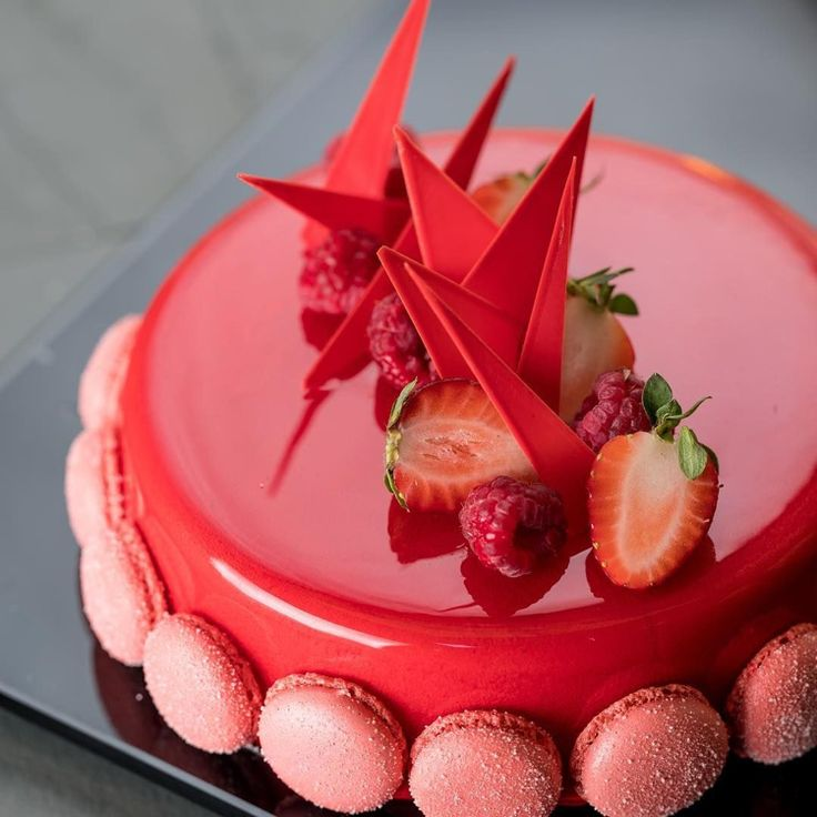 Spiegelglasurkuchen: Rezept für gebratenen Kuchen mit glasiertem Glas …   – Lifestyle ideen 2019