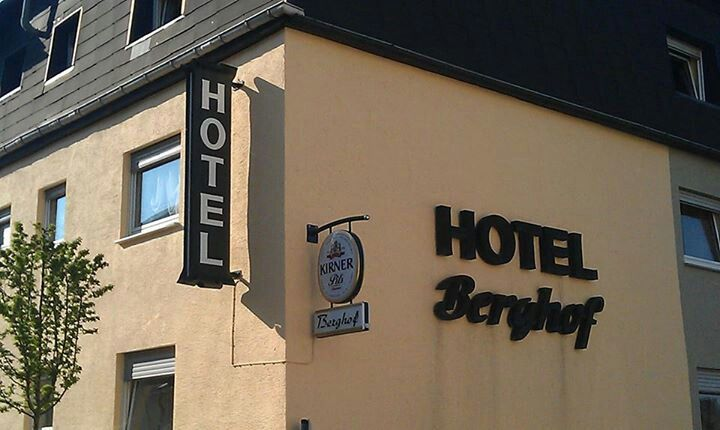 Did you know Hotel Berhof has nightly dinner specials and on Wednesday you can get all you can eat ribs for 10euro?!?!