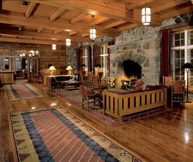 Great National Park Lodges: Crater Lake Lodge