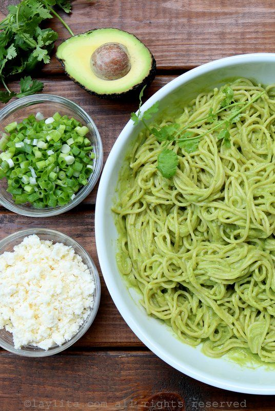 Spaghetti with a spicy creamy avocado sauce