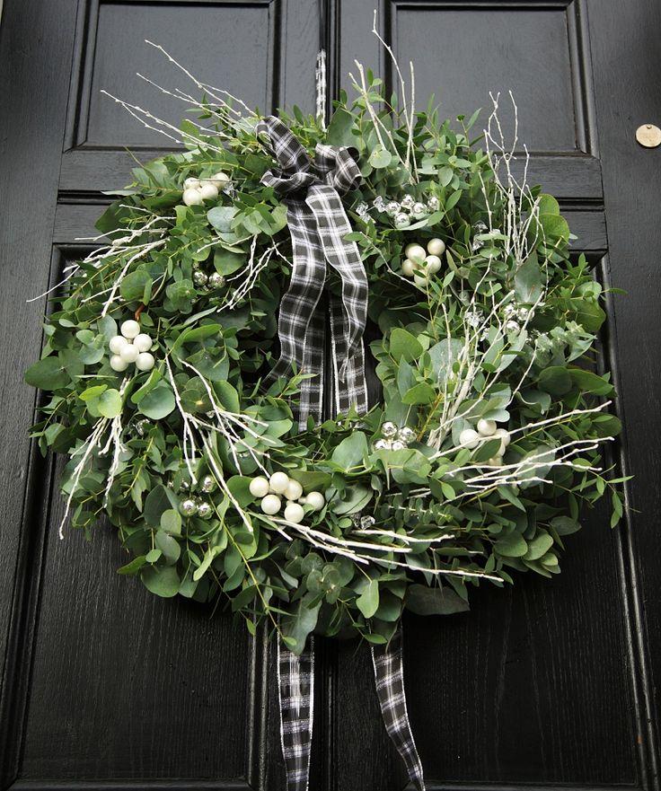 eukalyptus weihnachtskranz adventskranz ideen. Black Bedroom Furniture Sets. Home Design Ideas