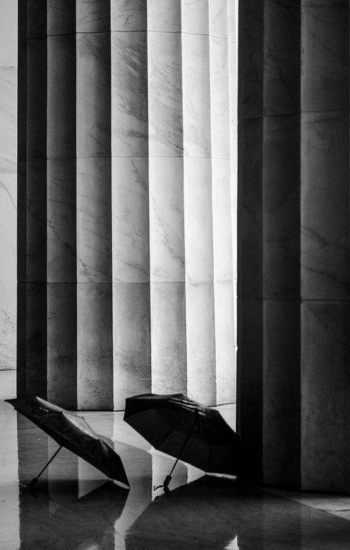 Composition with two umbrellas #architecture #rainy #washington #black&white #b&w