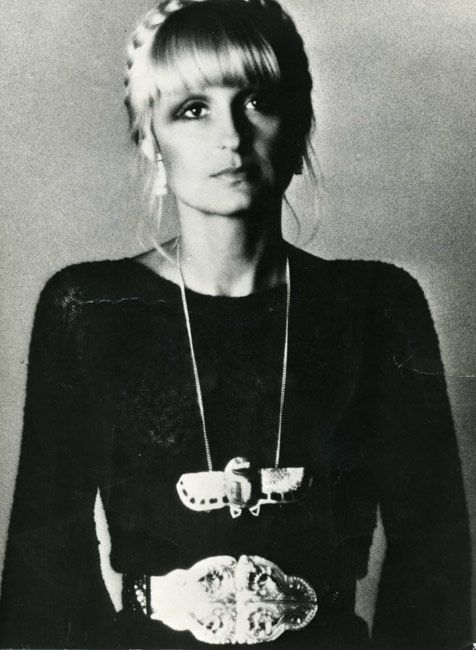 Barbara Hulanicki. LOVE the hair, necklace & belt!