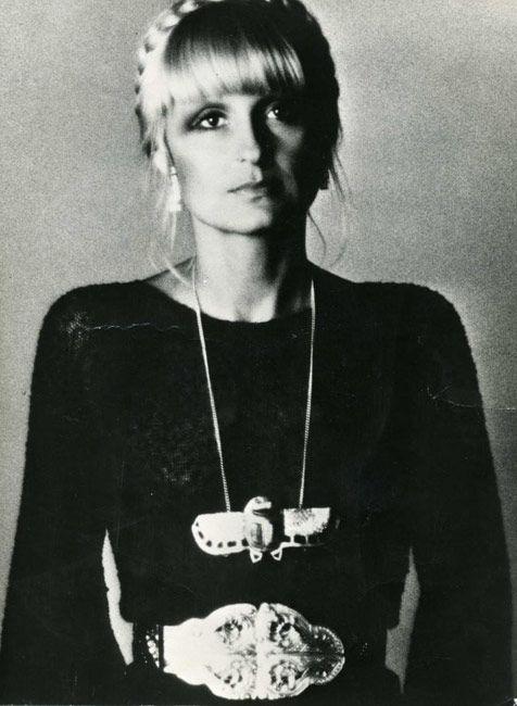 Barbara Hulanicki. LOVE the hair, necklace & belt!