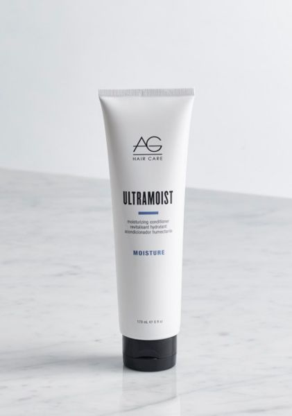 this is one of the few acne-safe salon hair products we've found! it detangles and eliminates dry, damaged hair by infusing it with humectants such as honey, silk amino acids and sodium PCA to instantly rehydrate, restore and revitalize dull, flyaway hair. (this conditioner is more moisturizing than the ag colour savour conditioner) #acnesafe #happyhairclearskin