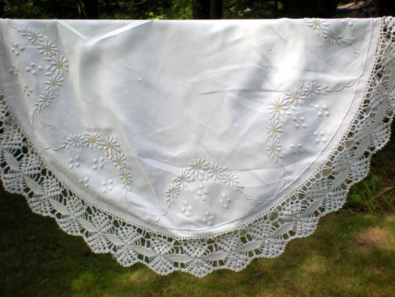Stunning Centerpiece Wedding Table Cloth Hand by chloeswirl