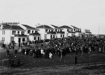 Inauguración das casas do Campo de Marte (A Coruña, 1928)