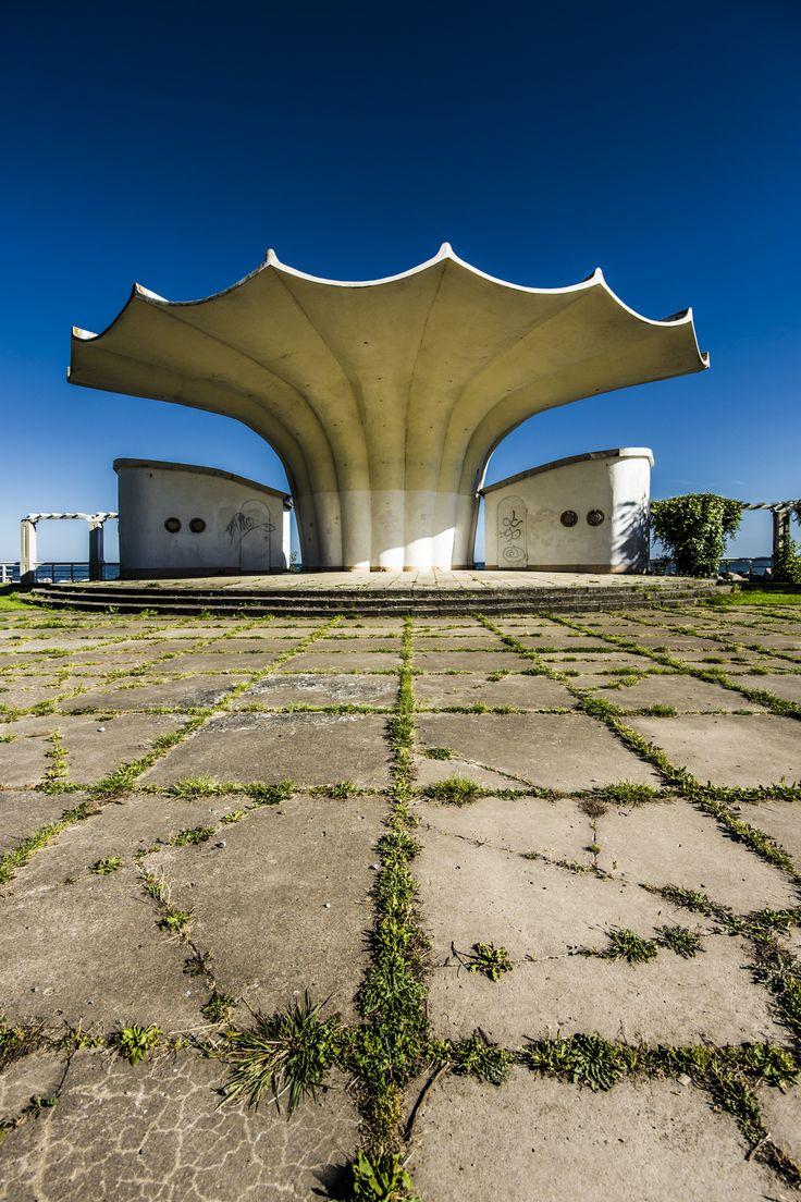 Musikpavillon Kurmuschel Sassnitz (errichtet 1987) von Ulrich Müther – Insel Rügen Fotografie Manto Sillack Fotokurse auf Rügen
