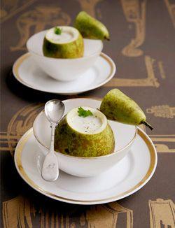 Gorgonzola-selderij soep in een peertje