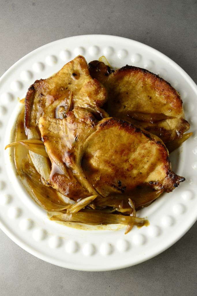 Onion Braised Pork Chop - succulent, flavorsome pork chops drizzled with sweet onion sauce