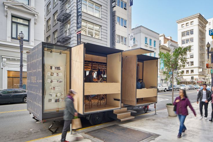 Nomadic lingerie fitting room takes boutique fashion on the road