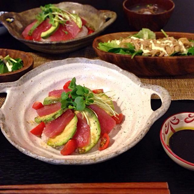 *マグロアボカド丼 バルサミコソース  *なめたけサラダ *アサリのお吸い物  マグロアボカドはニンニク醤油風味のバルサミコソースをかけて。  えのきを沢山買ったので、なめたけにしてドレッシング代わりにサラダにトッピング。 - 98件のもぐもぐ - 夜ご飯  2014.4.26. by aiko0111