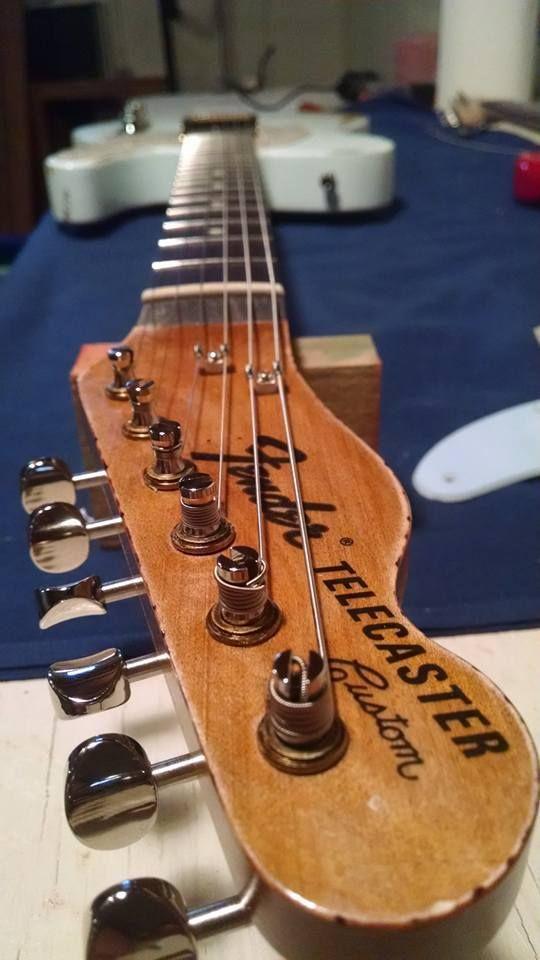 Fender tele - reverse headstock