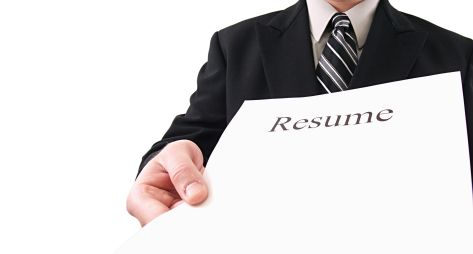 http://www.collegegrad.com/jobsearch/Best-College-Resumes/Resume-Checklist/ Resume Checklist for College and Grad students