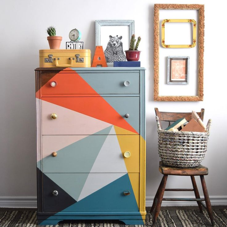 There is no shortage of color in the world of Poppyseed Creative Living! Painted with Chalk Paint® decorative paint by Annie Sloan