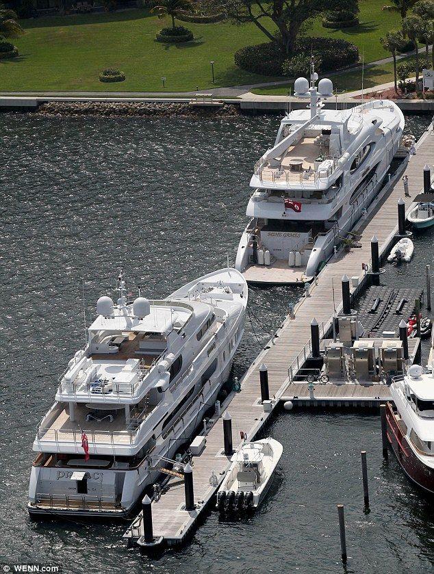 Elin Nordegren's billionire boyfriend has a bigger yacht than her ex Tiger Woods | Mail Online