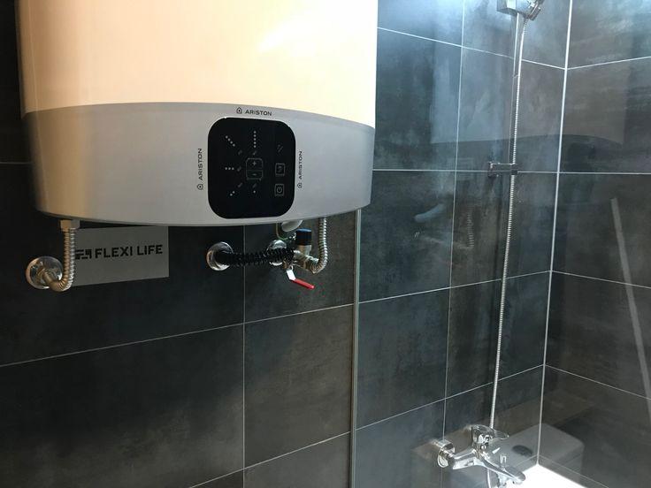 #Flexi Life Group # Ariston Velis # Připojení # Koupelna # Black tiles