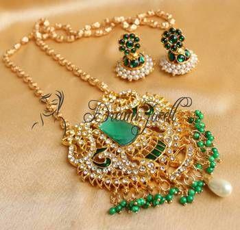 Beautiful green huge pendant long chain necklace set