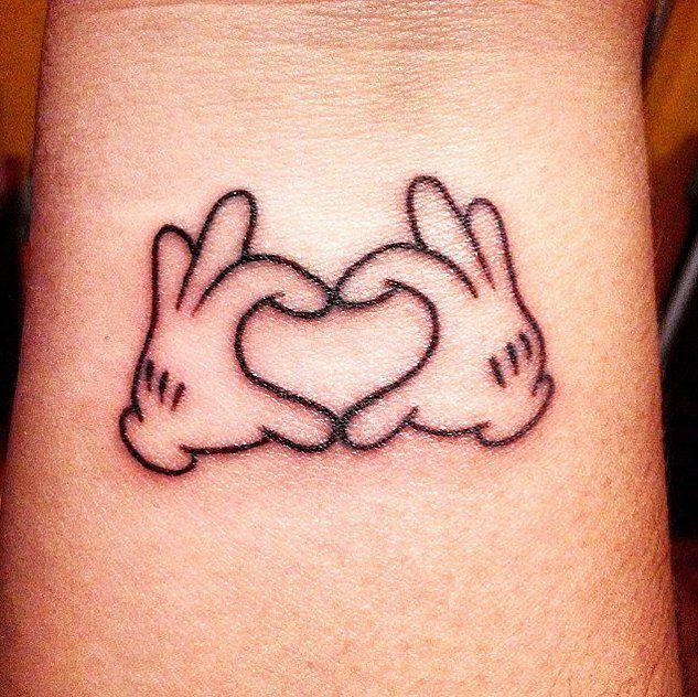Toto je veľmi populárny symbol v štýle Mickey Mousa.