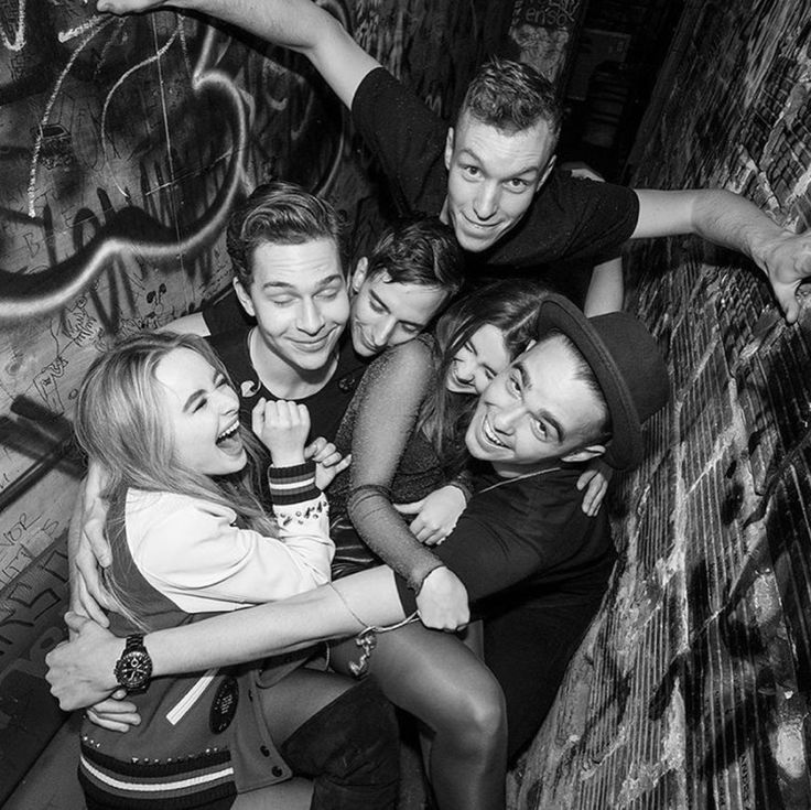 2016 EVOLution Tour Band: (left to right) Star - Sabrina Carpenter; Bassist - Austin Luther; Guitar - Caleb Nelson; Drums - Tobias Urbanczyk; Background Vocals - Sarah Carpenter; Keyboard - Nolan Frank