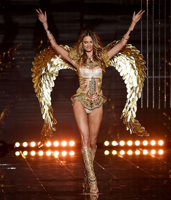 That's a Wrap! Here Are the 22 Sexiest Moments from the Victoria's Secret Fashion Show  #InStyle