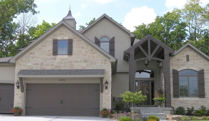 cream brick instead, lt. green-taupe stucco and drk. green-taupe trim and doors
