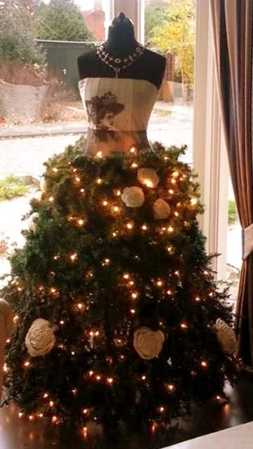 Christmas dress form..I would have this for my 'Bedroom Tree'--Where will you set this up in your home?!