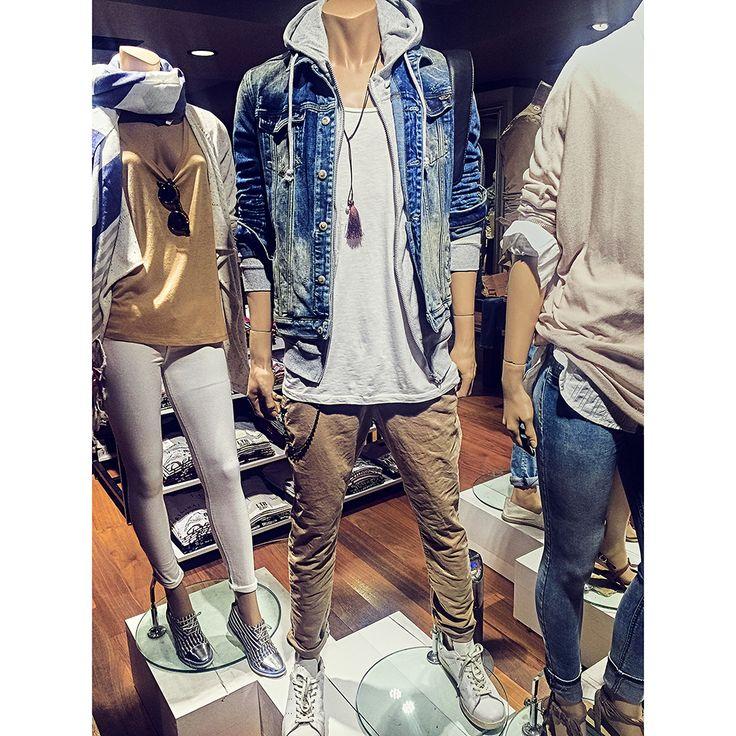 İddialı tarzını chino pantolonlar ile tamamla. #ltb #ltbjeans #stylish #jeans #style #denimjacket #chinopants #chinopantolon #photooftheday  #instagood #happy #design #model #glam #picoftheday