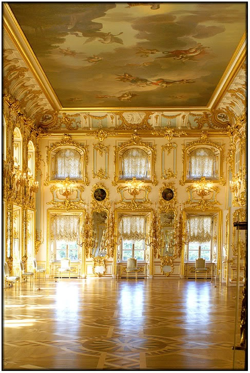 Grand Peterhof Palace-The ballroom