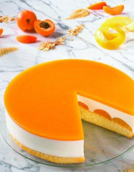 Joghurttorte mit Aprikosen (Ø 26 cm) Rezept: Eine cremige Torte mit Aprikosen für die Kaffeetafel - Eins von 5.000 leckeren, gelingsicheren Rezepten von Dr. Oetker!