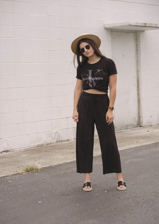 5bdb3d03d7bf Best 37 Ideas About How To Wear Culottes With Flats