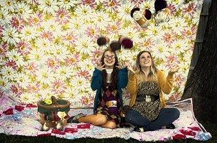 37 Impossibly Fun Best Friend Photography Ideas: Throw your yarn in the air like you just don't care.
