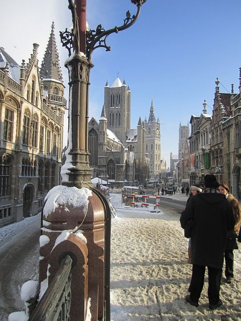 Snowy Ghent, Belgium  (by Therapics on Flickr)