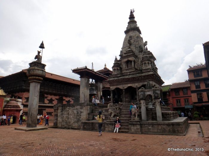 essay on bhaktapur durbar square Bhaktapur durbar square introduction: - situated at an altitude of 1401m bhaktapur covers an area of four square miles 'bhakta' means 'devotees' and 'pur' means 'city' so, bhaktapur means city of devotees devotees still remain a medieval charm and visitors to this ancient town are treated to myriad wonders of cultural and artistic achievements.