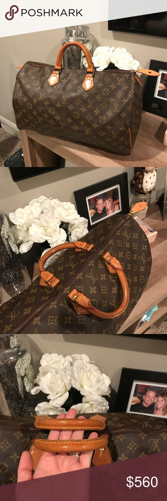 Authentic Louis Vuitton speedy 40!!!! Great condition speedy 40. No foul smell, no exposed pipping, no cracks on canvas, no stains. Even honey patina. Does not come with dustbag. Louis Vuitton Bags Totes