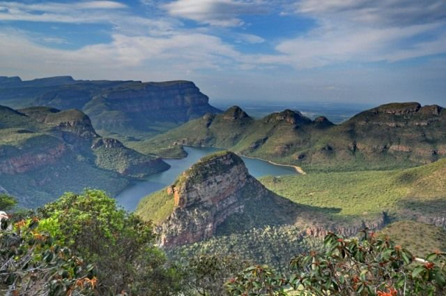 Stunning picture from God's Window at Blyde River Canyon in South Africa with Nomad Adventure Tours