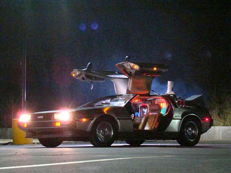 Delorean de Volver al Futuro Find our speedloader now!  http://www.amazon.com/shops/raeind