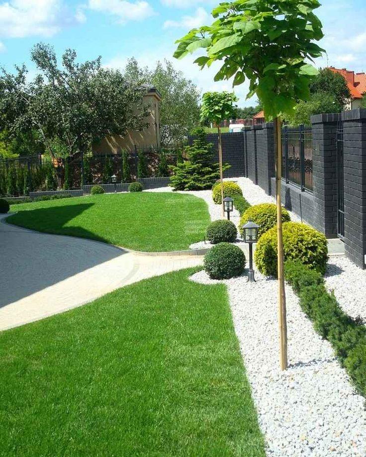 Landschafts- und Gartengestaltung weisser-kies-buchsbaum-kugeln-gruener-rasen